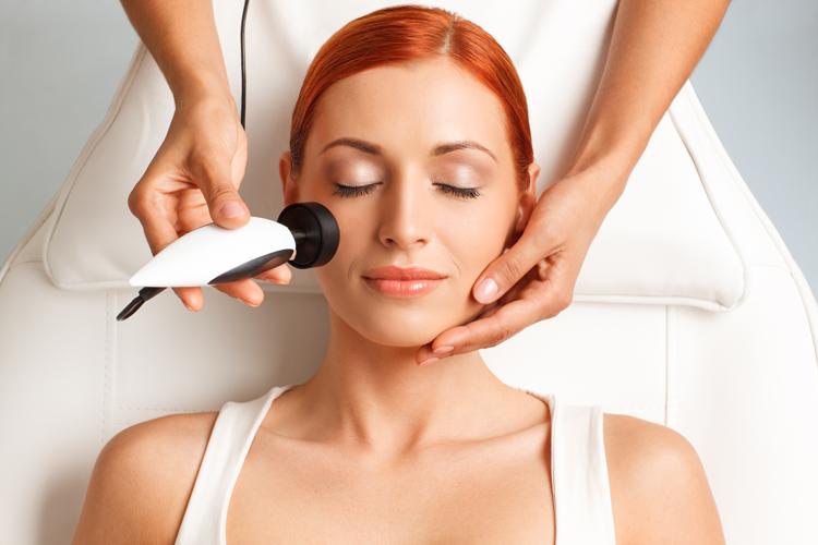 Radiofrecuencia Facial, ¿Qué Es y Cómo Funciona?